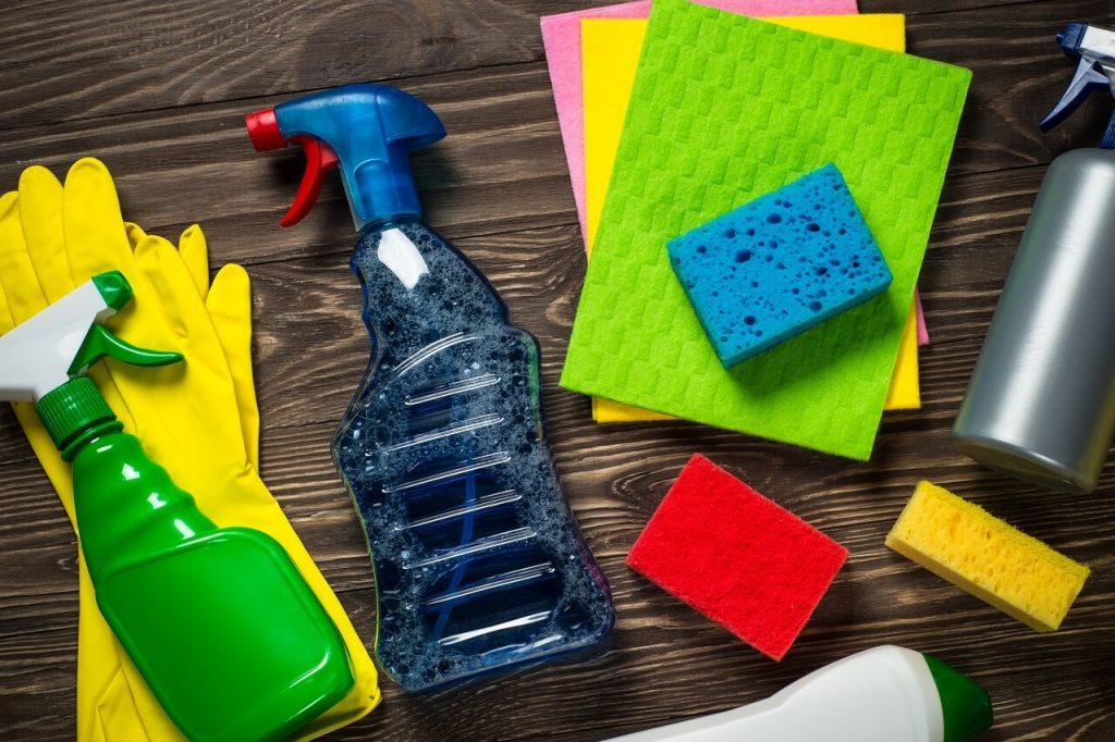 cleaning products in the household